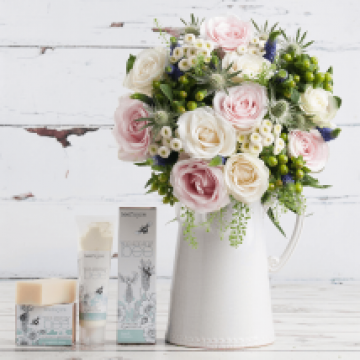 Mummy Bee Pamper Gift Set From Appleyard Flowers
